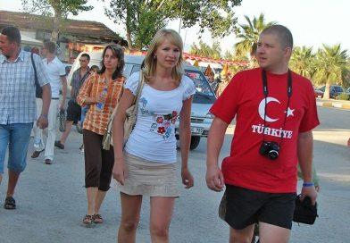 Antalya'ya En Çok Ruslar Yerleşiyor