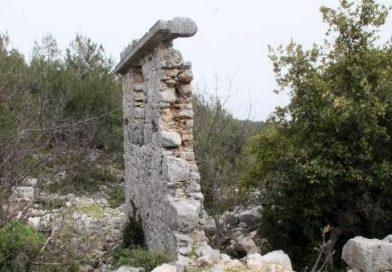 Roma Dönemi Antik Kentte Matkap İle Defineci Talanı